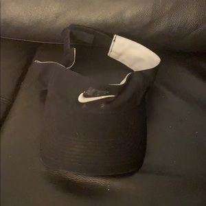 Nike black tennis adjustable visor